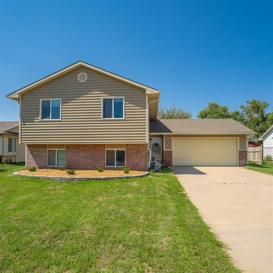 WOW!! Take a look at this fantastic 3 bedroom, 2 bath home in Haysville. Very well taken care of and