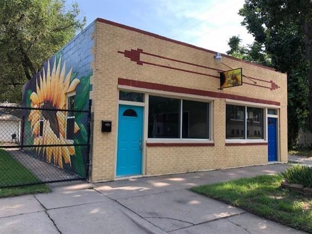 For Sale: 417 E Gilbert St, Wichita KS