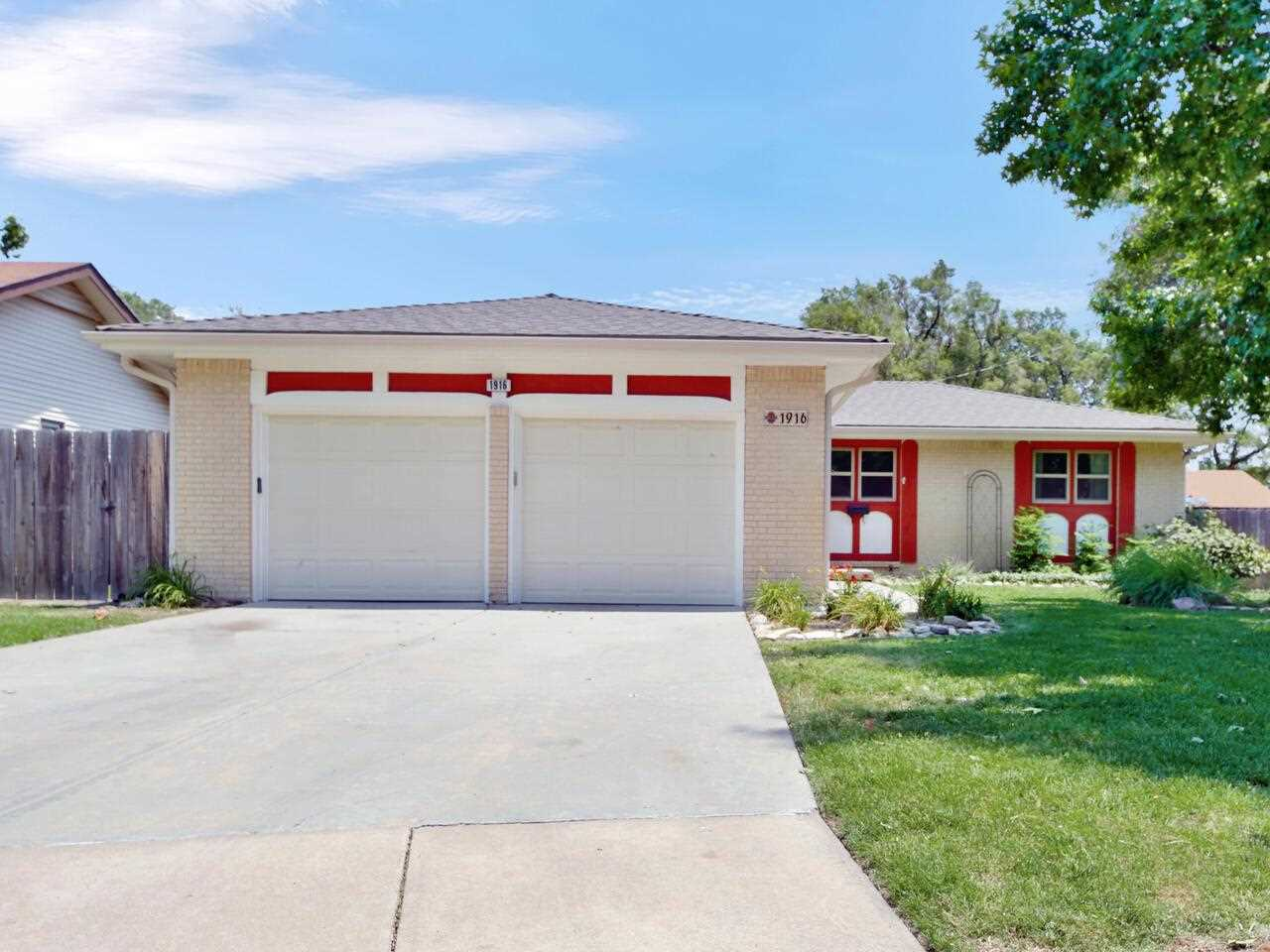 3 bedroom, 1 1/2 bath ranch in the desirable Indian Hills area on a cul-de-sac. The main living area