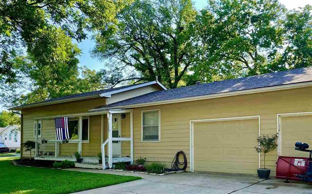 For Sale: 120 N Michigan, Winfield KS