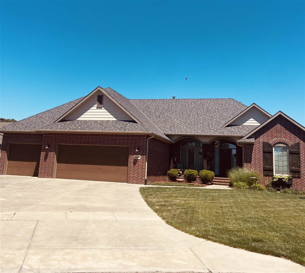 Welcome Home!!  This amazing 5 bed/ 3 bath; with walk out basement, HUGE family rec room and a kitch