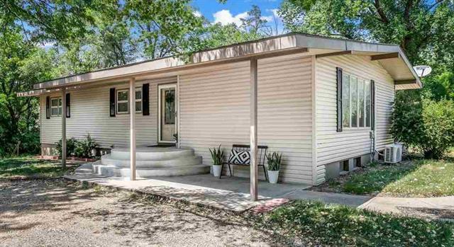 For Sale: 1912 E 54th Ave, Hutchinson KS