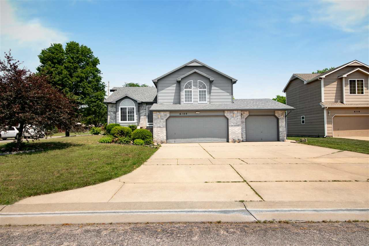 Wonderful home  located in a quiet family friendly neighborhood close to parks and great school opti