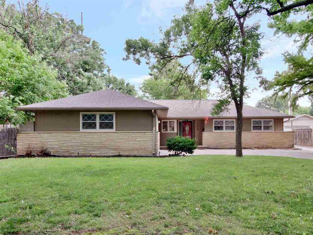 For Sale: 7316 E Plaza Ln, Wichita KS