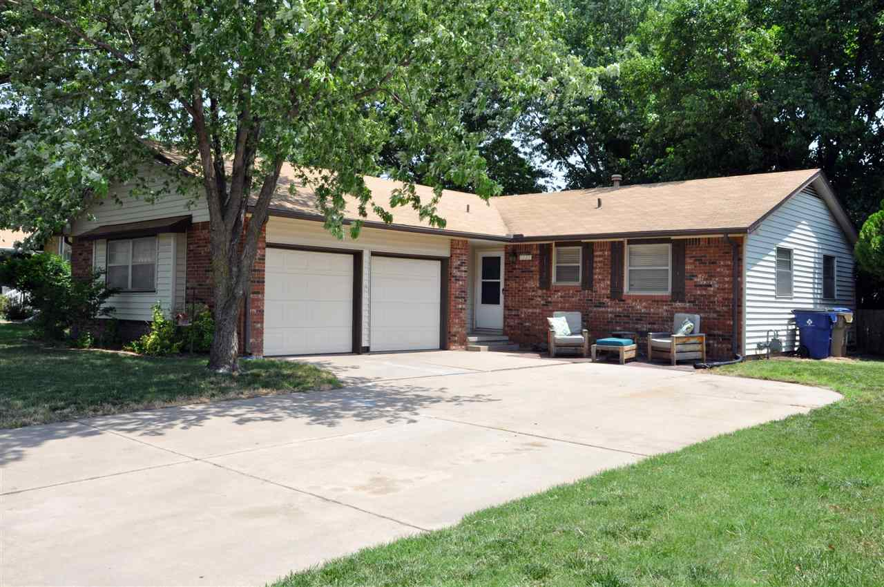 Don't miss your opportunity to check out this 3 bedroom, 2 bathroom home in NW Wichita!! This home h