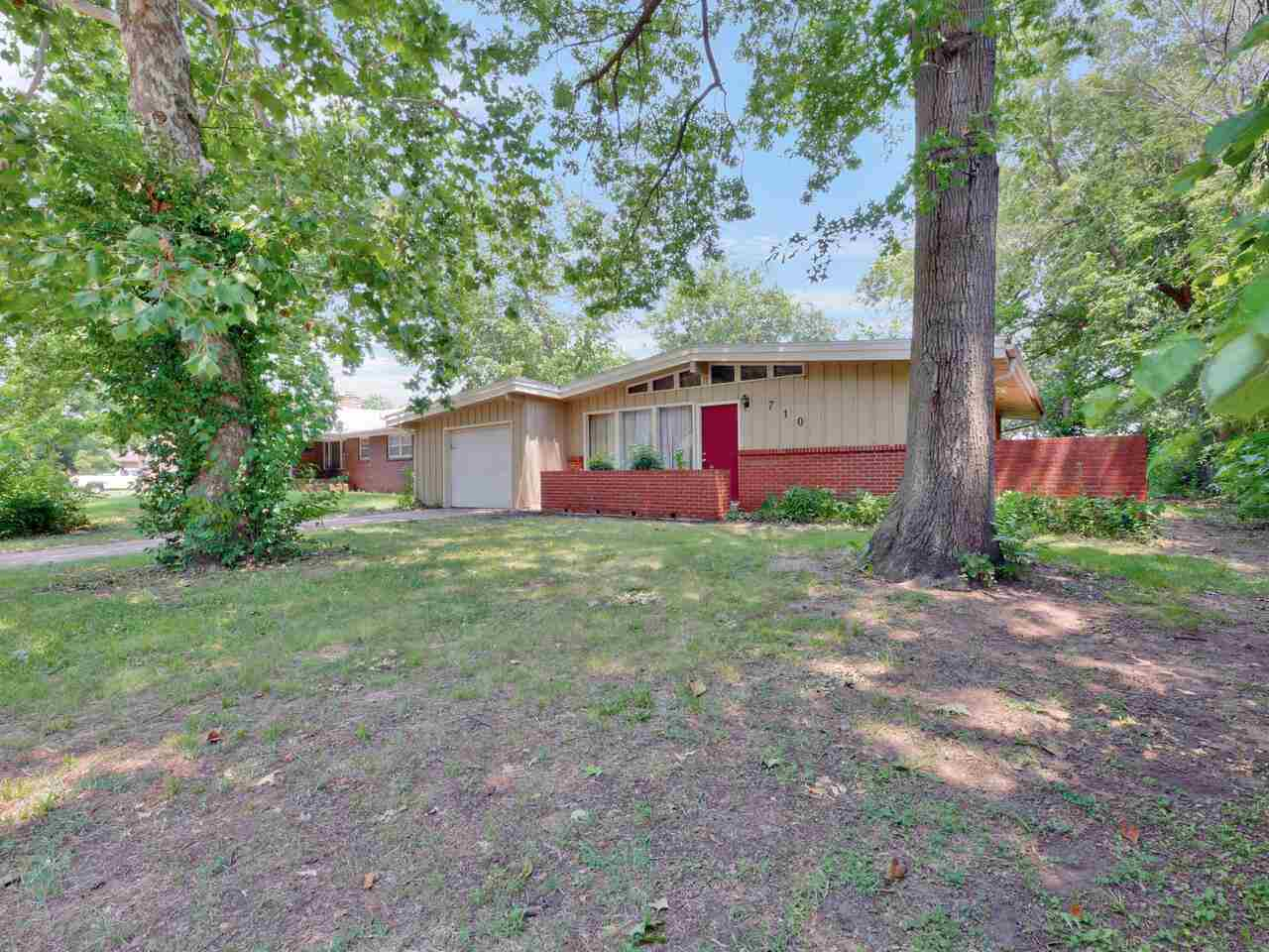 Beautiful updated 3 bedroom ranch home.  Enjoy the huge fenced-in back yard.  Main level laundry roo
