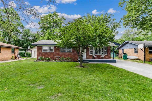 For Sale: 919  Alexander Dr, Haysville KS