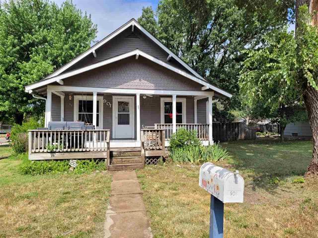 For Sale: 901  Boyd Ave, Newton KS