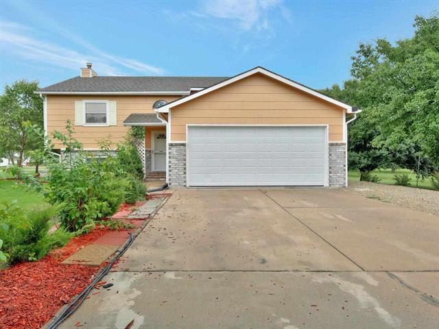 For Sale: 661 N Shawnee Cir, Kechi KS