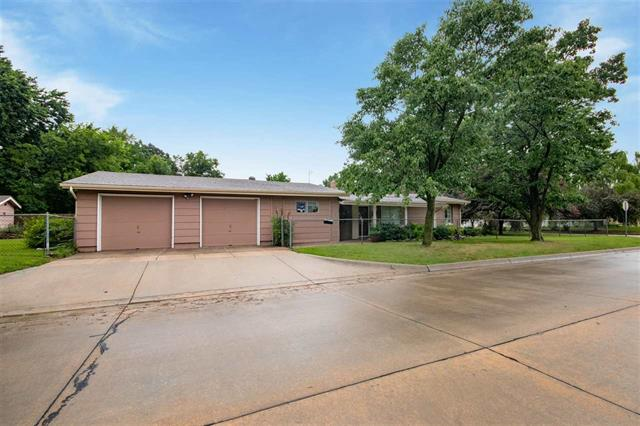 For Sale: 1527 W Dora Ave, Wichita KS