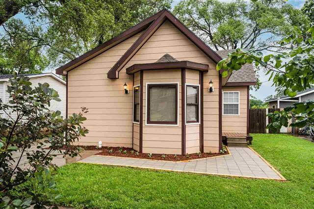 For Sale: 606 N Santa Fe, Augusta KS