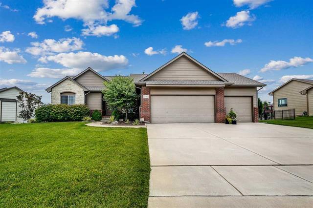 For Sale: 2702 N WOODRIDGE ST, Wichita KS