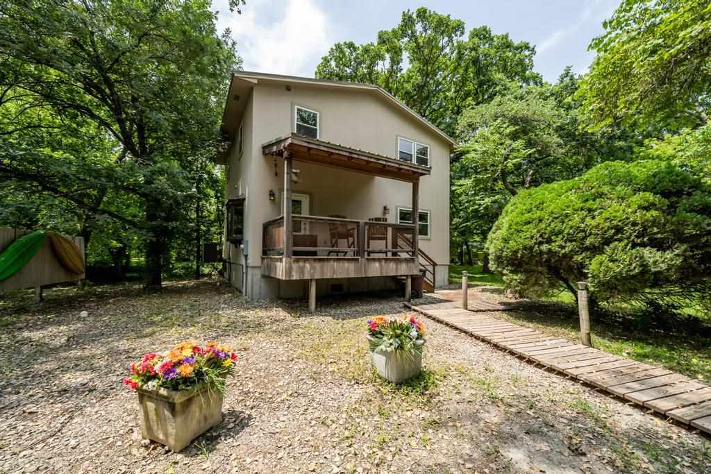 This waterfront property is truly the best of both worlds…! Located in the desired Andover school di