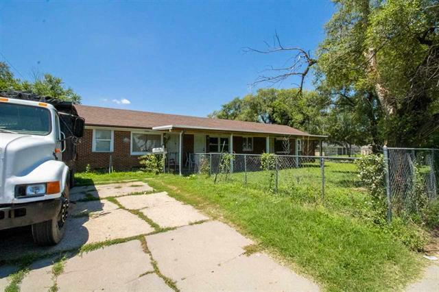 For Sale: 3101 S Hydraulic Ave, Wichita KS