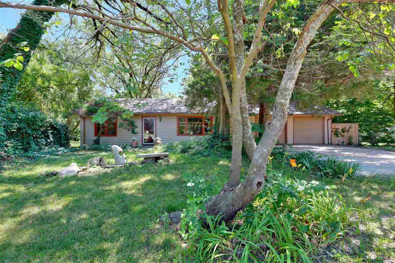 Location Location Location!!  This home backs to the river that flows into Santa Fe Lake. Known to b