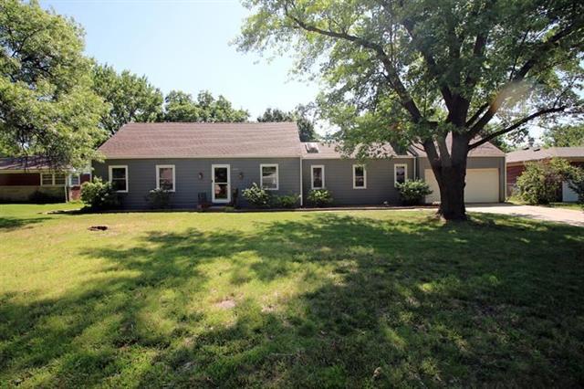 For Sale: 1124 N Parkwood Ln, Wichita KS
