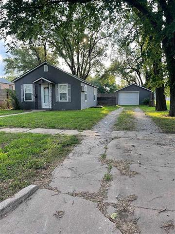 For Sale: 425 S Lincoln Ave, Anthony KS