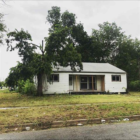 For Sale: 970 N Piatt Ave, Wichita KS