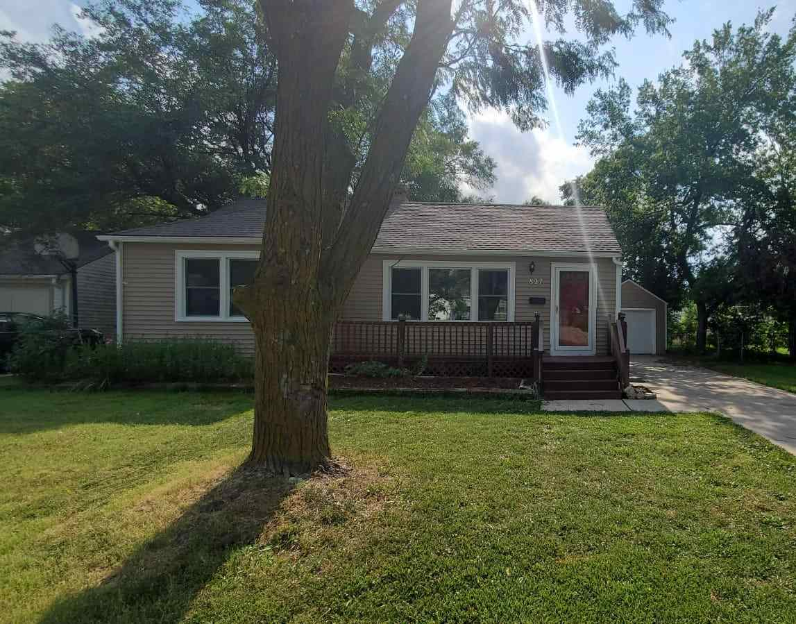 Adorable two bedrooms and One bathroom with updates! Home features hardwood floors on the main level