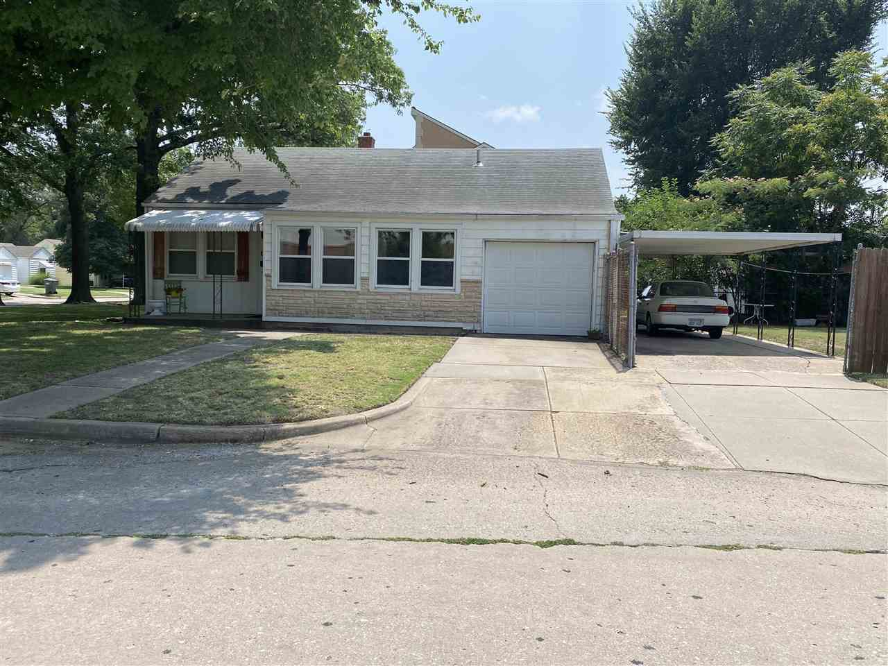 Don't miss this beautiful 2 bedroom, 1 bathroom ranch home on a Conor lot conveniently located in a