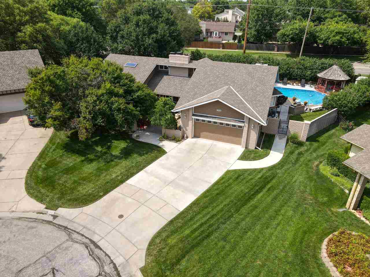 4 BEDS, 5 BATHS, 4500+ SQ FT MOVE IN READY RANCH HOME WITH AN INDOOR SAUNA, INDOOR HOT TUB/SPA, OUTD