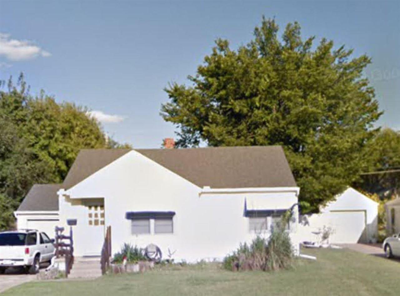 3 BEDS 2 BATH RANCH HOME WITH A FINISHED BASEMENT, 1 CAR GARAGE, DOUBLE PARKING SPOT, & BONUS BACK S
