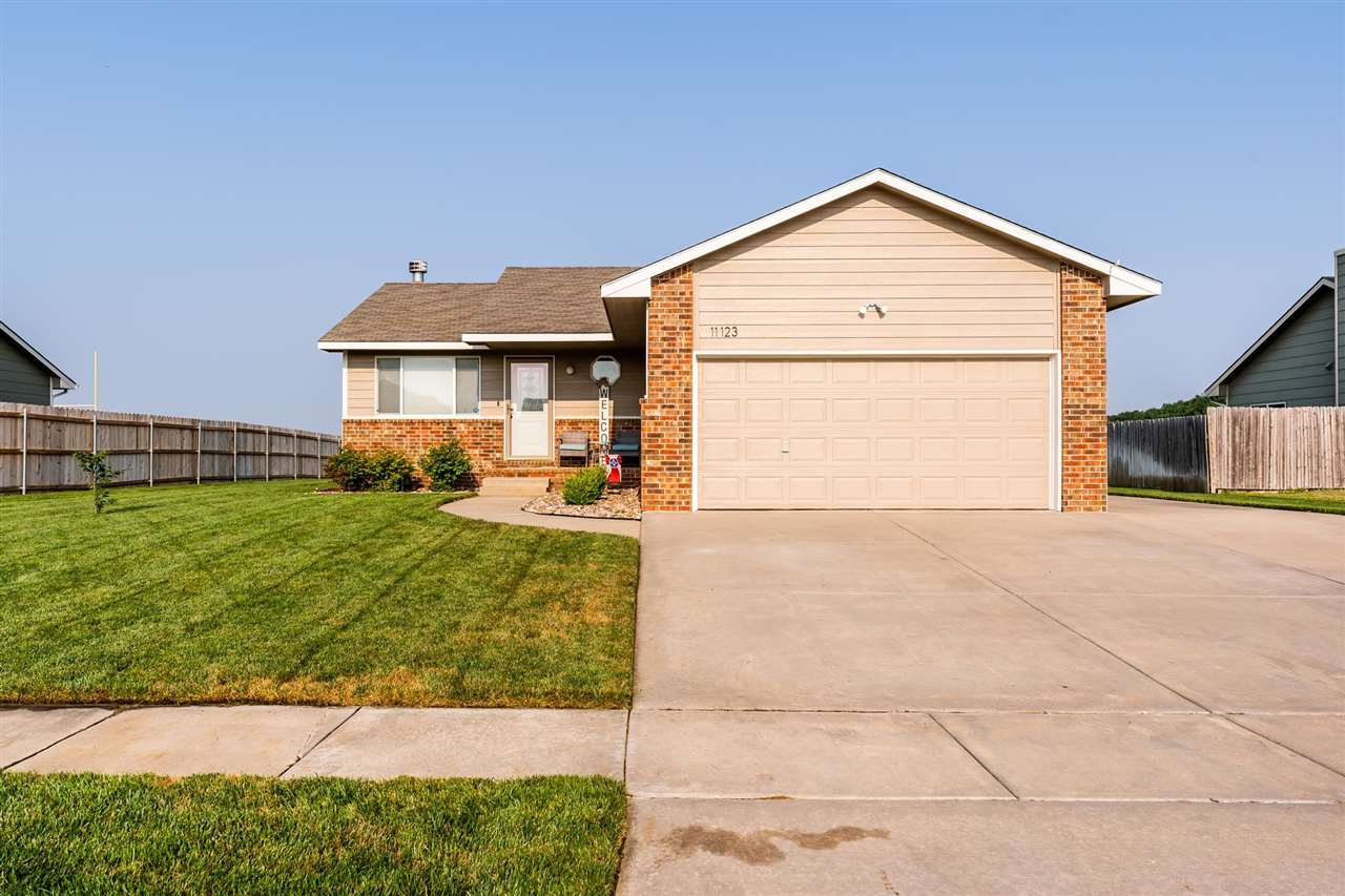 This beautiful home is ready for its next owners! This home features 2,164 sqft, 3 bedrooms, 3 full