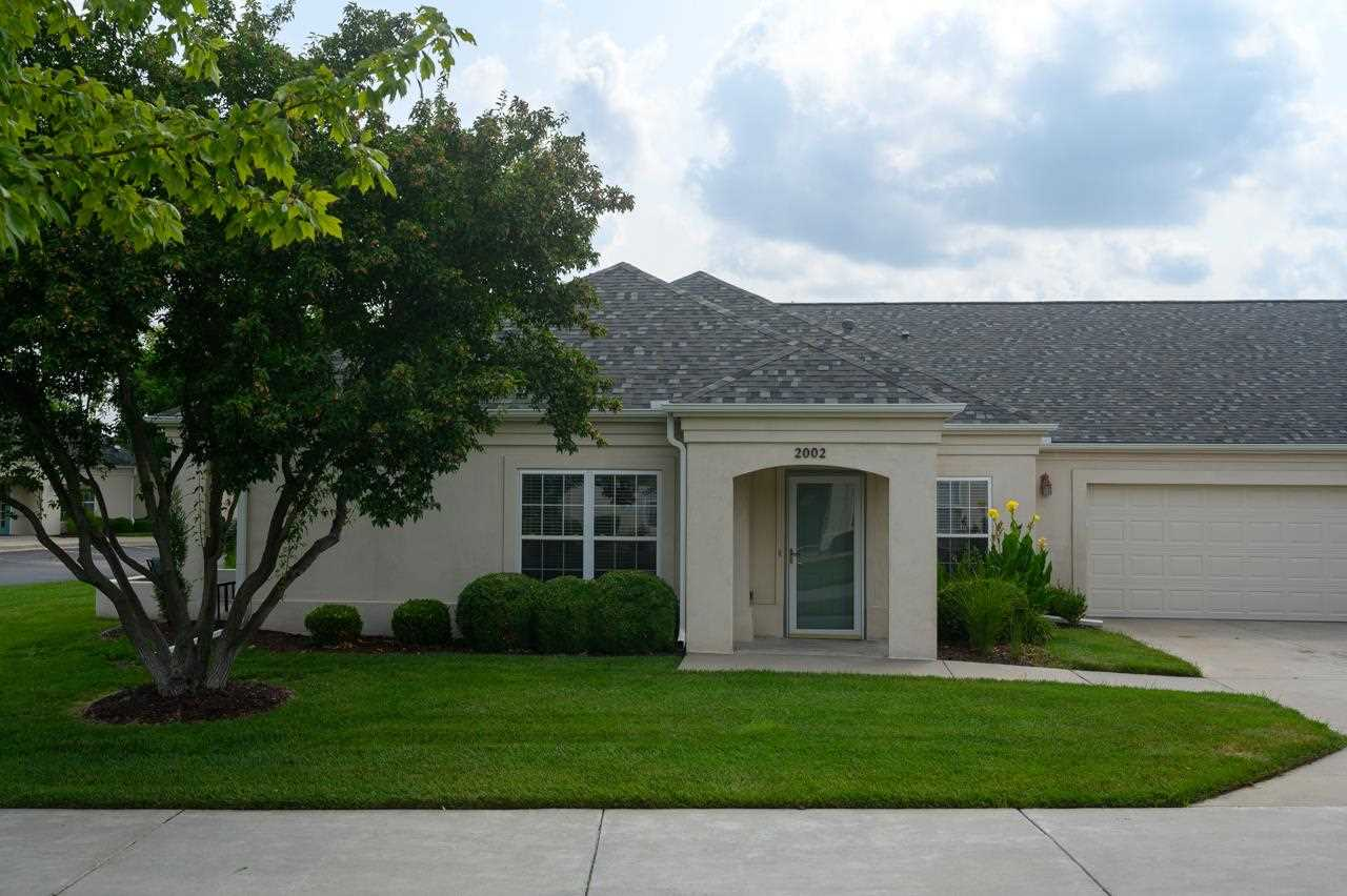 Gorgeous and updated low maintenance patio home in Wilson Estates Clubhouse Villas! 2 beds, 2 full b