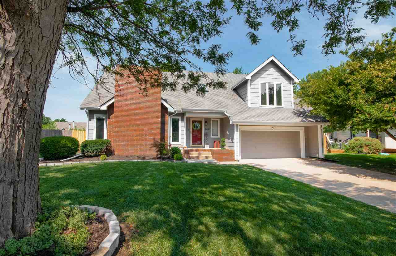 Welcome home to this home on a quiet cul-de-sac! This amazing 4 bedroom, 3.5 bathroom home is inviti