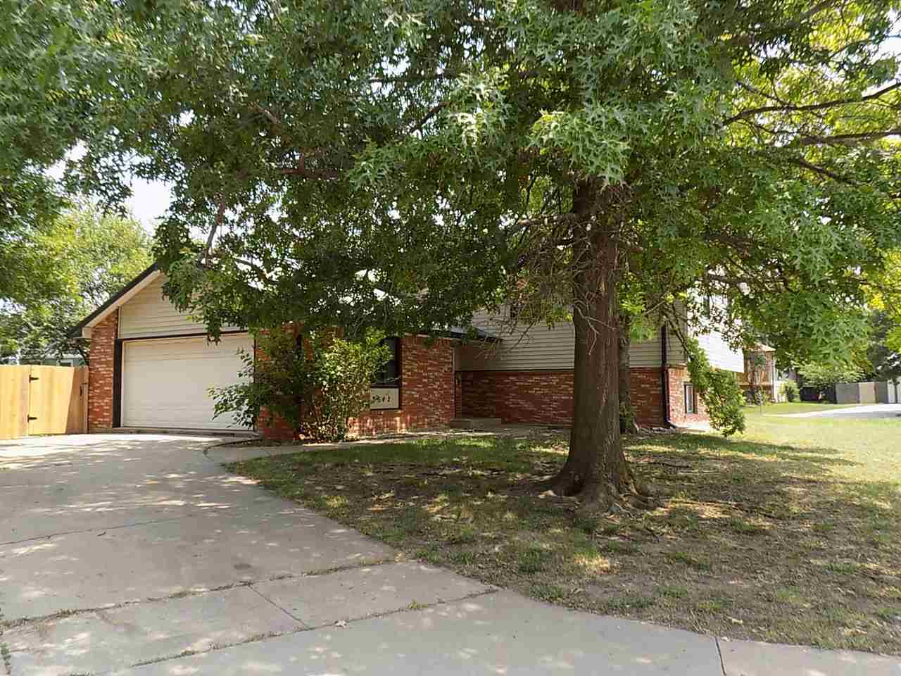 Great price on this 5 bedrooms, 2 bath home in Southeast Wichita.  Brand new carpet throughout.  Nic