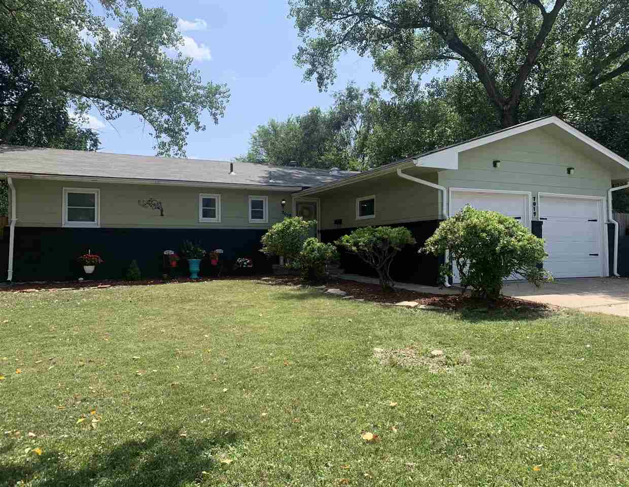 Welcome home to this cozy southeast Wichita home.  This freshly updated, turn-key ready, 3 bedroom,