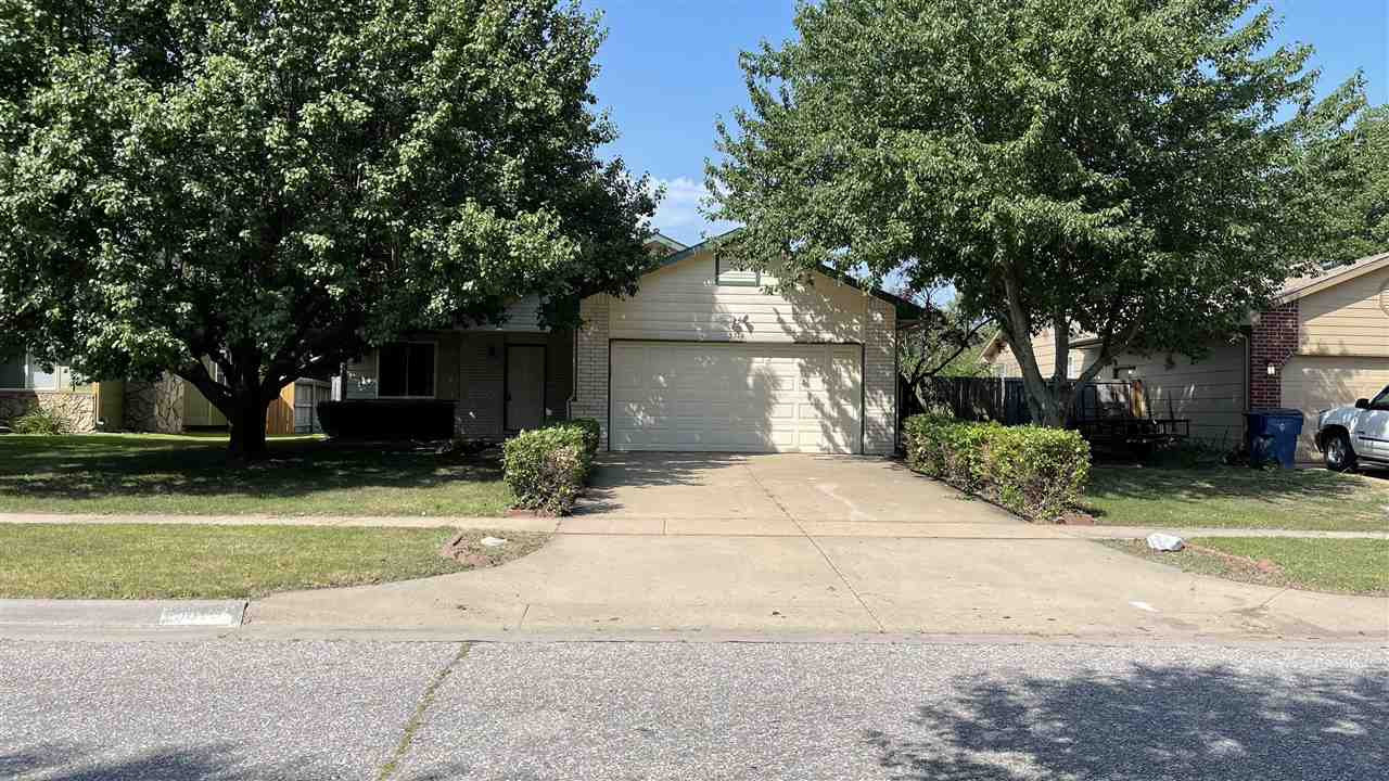 Beautiful home and move-in ready. 3 Bed, 3 bath and 2 car Garage.  Wood floors on main floor living