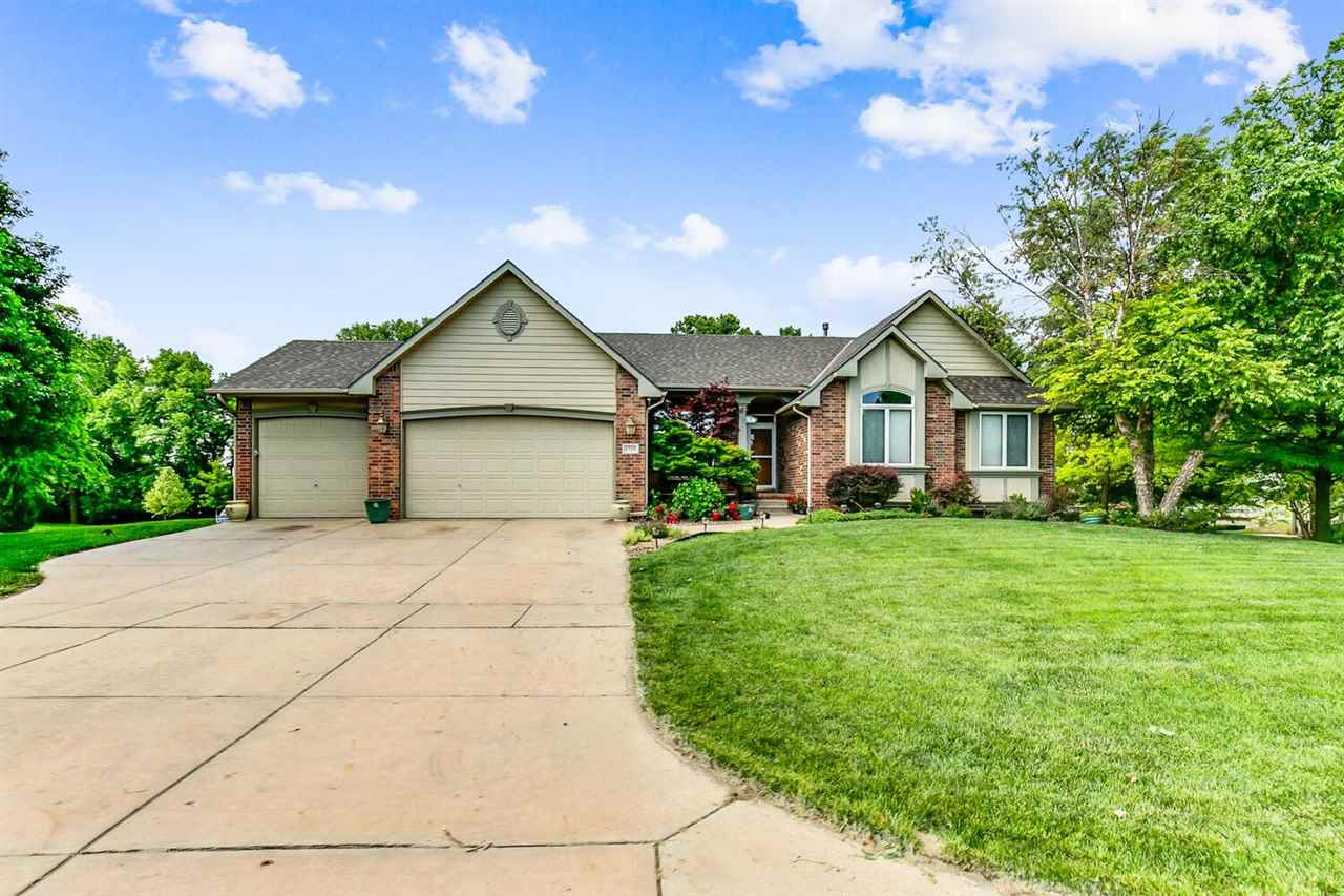 Welcome home to this stunning ranch home in Fiddler's Creek!  You'll love the charming country side