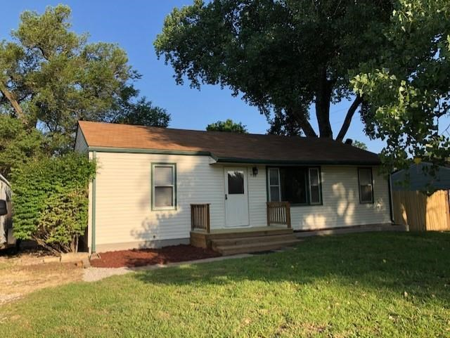 Orchard Park and it's Water Park is in eyesight of your front yard with over a third acre lot, have