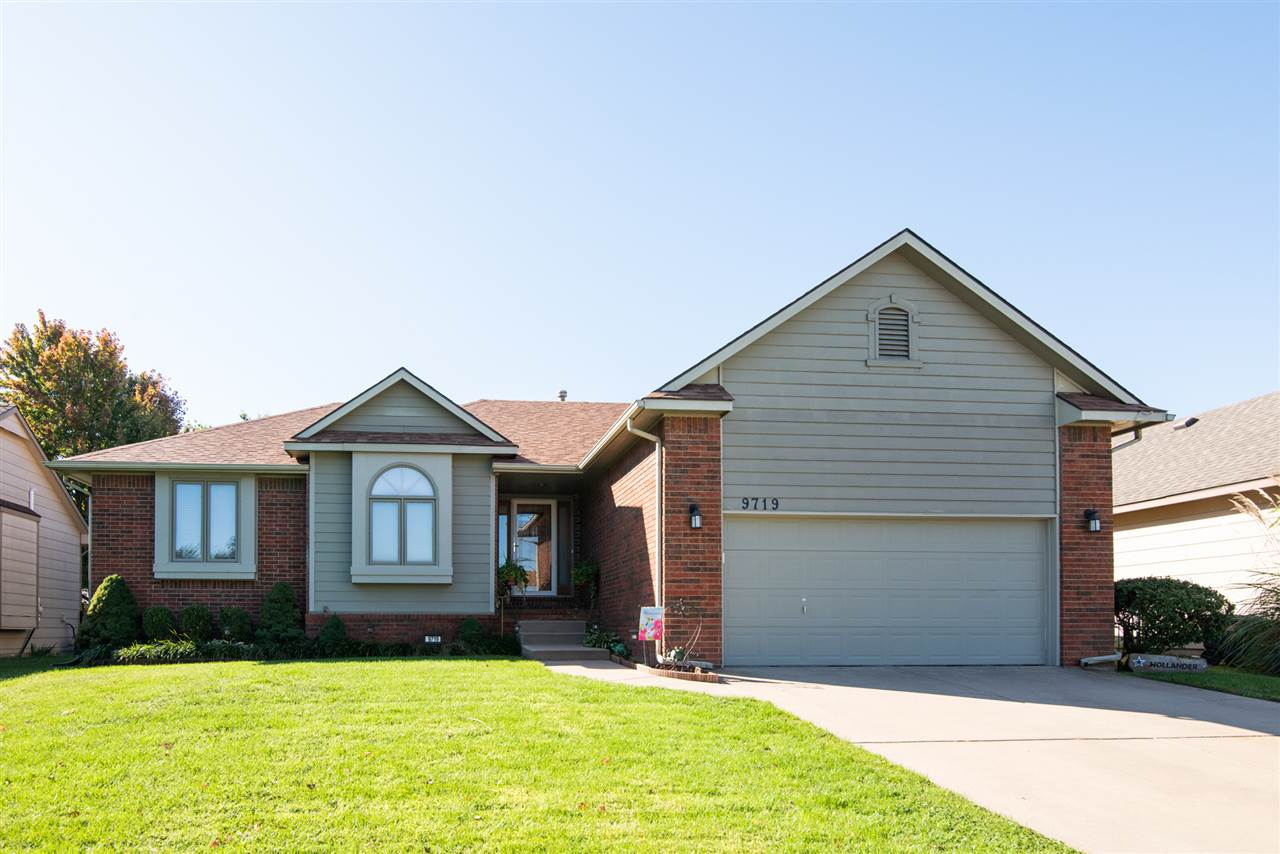 What a great location for this well-cared for Northwest-side Ranch in Maize schools! Sitting in a qu