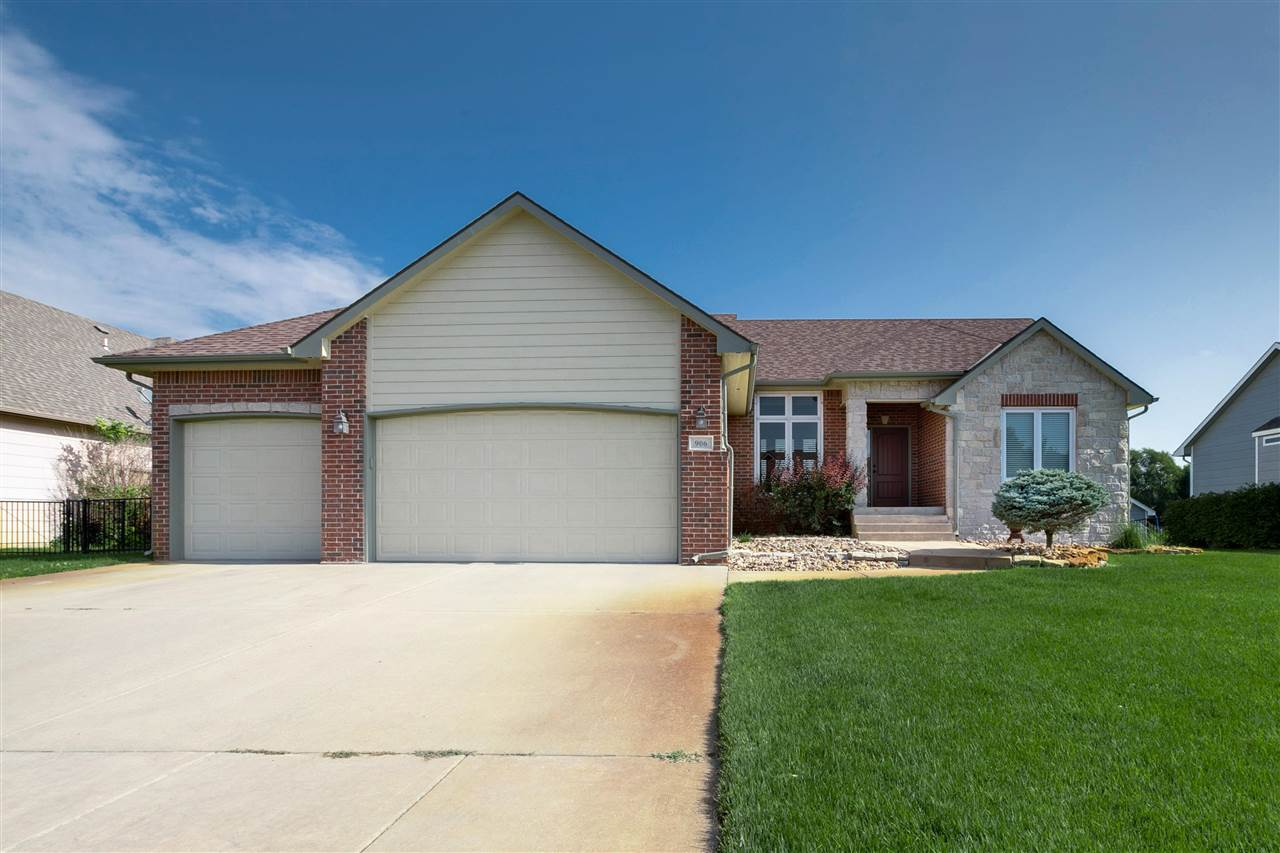 Check out this beautiful home in Park Glen! You will love this floorplan that features a huge kitche
