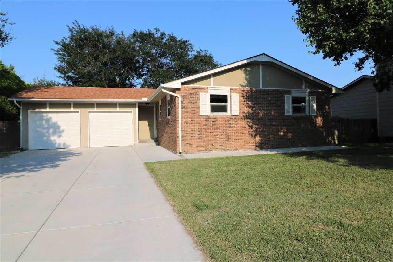 Nice 4 bedroom home in Bel Aire. 3 bedrooms  and 2 baths on the main floor. Updated kitchen with gra