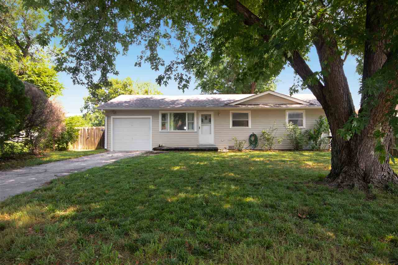 This 3 bedroom, 1 bathroom ranch home in south Wichita is ready for it's new owners! Large mature tr