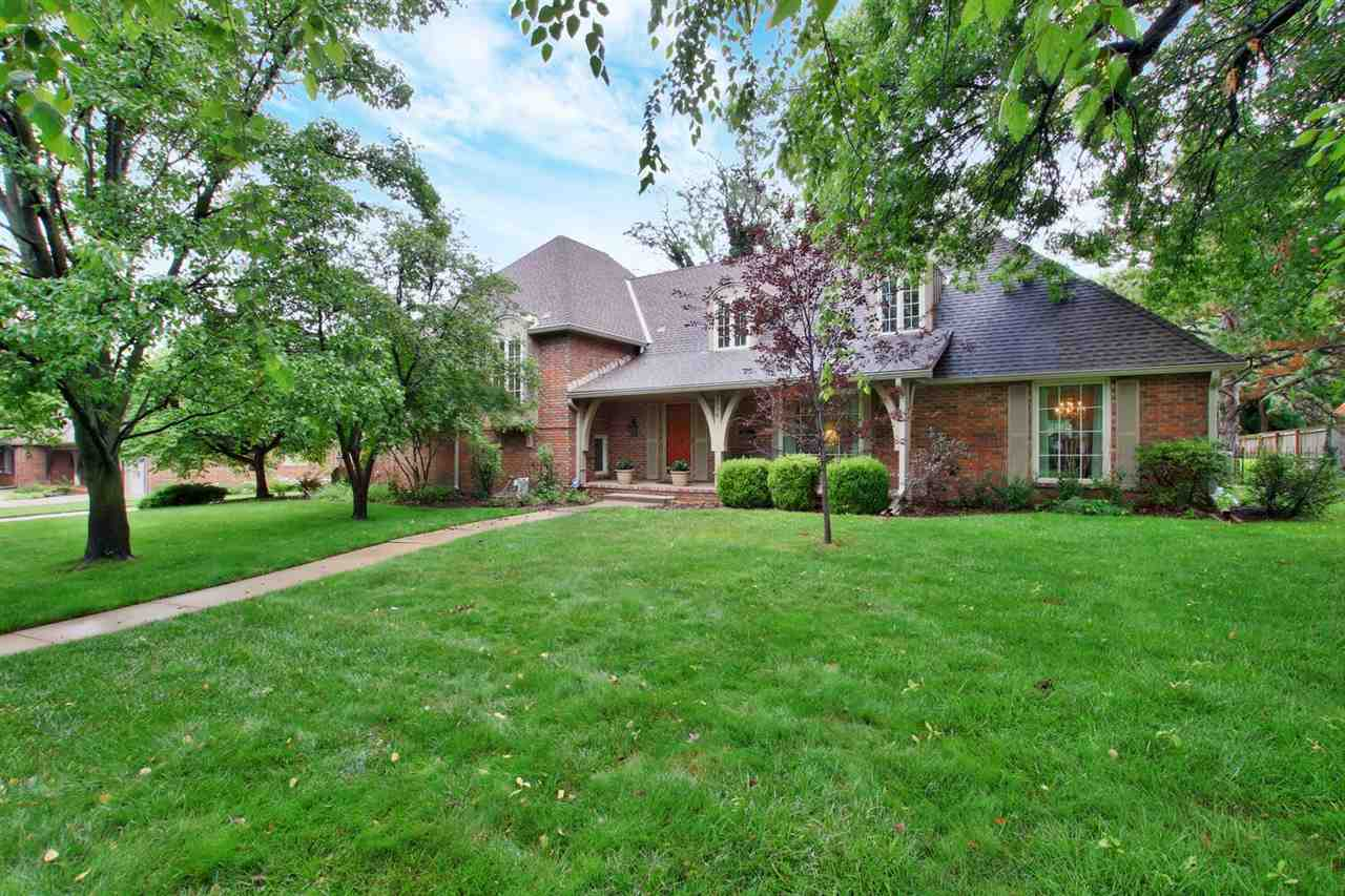 LOCATION, LOCATION, LOCATION  Charming 4 bed/3 bath home in the heart of East Wichita, nestled in th