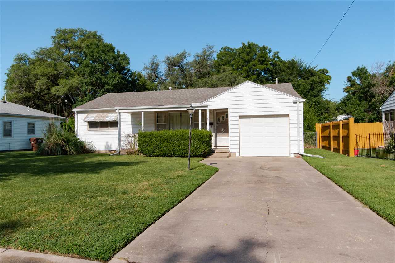 Come see this clean and well maintained 2 bedroom,1 bathroom ranch in southeast Wichita! Nice solid