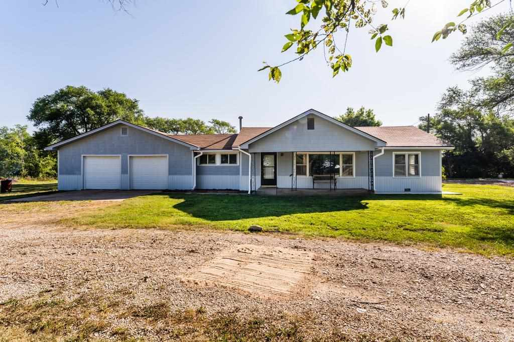 Welcome home to this extra clean, fully-remodeled 3bed/1.5bath/3+car ranch on 2.4 peaceful acres. Th