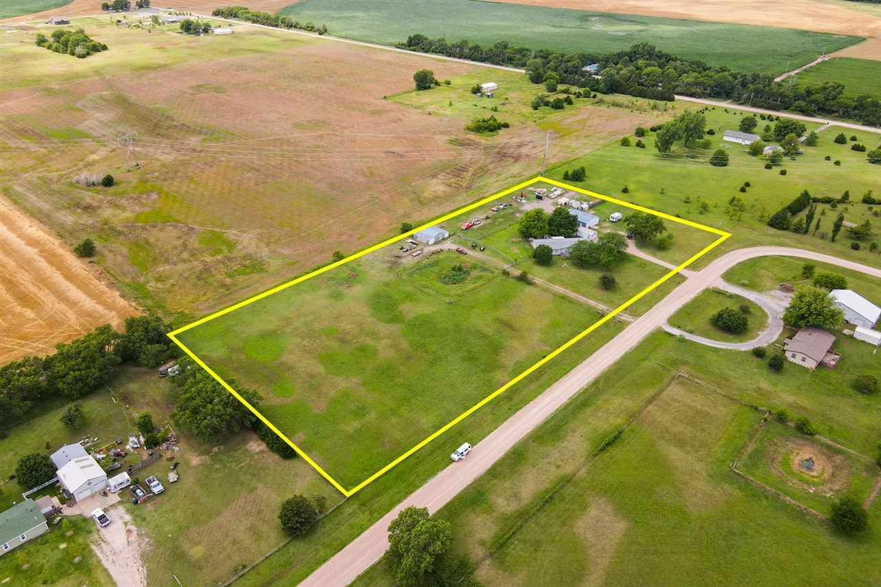 Property offered at ONLINE ONLY auction. BIDDING OPENS: Tuesday, August 3rd, 2021 at 2:00 PM (cst) |