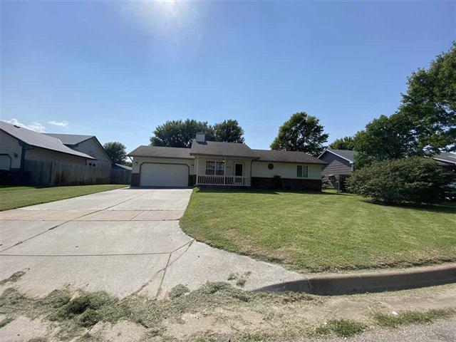 For Sale: 806 E Karla Ct, Haysville KS