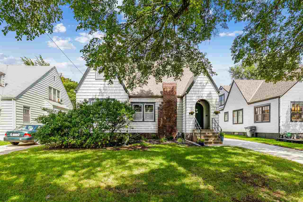 CHARMING TWO STORY IN OVERBROOK ADDITION. THIS ADORABLE HOME FEATURES A SPACIOUS LIVING ROOM WITH DE