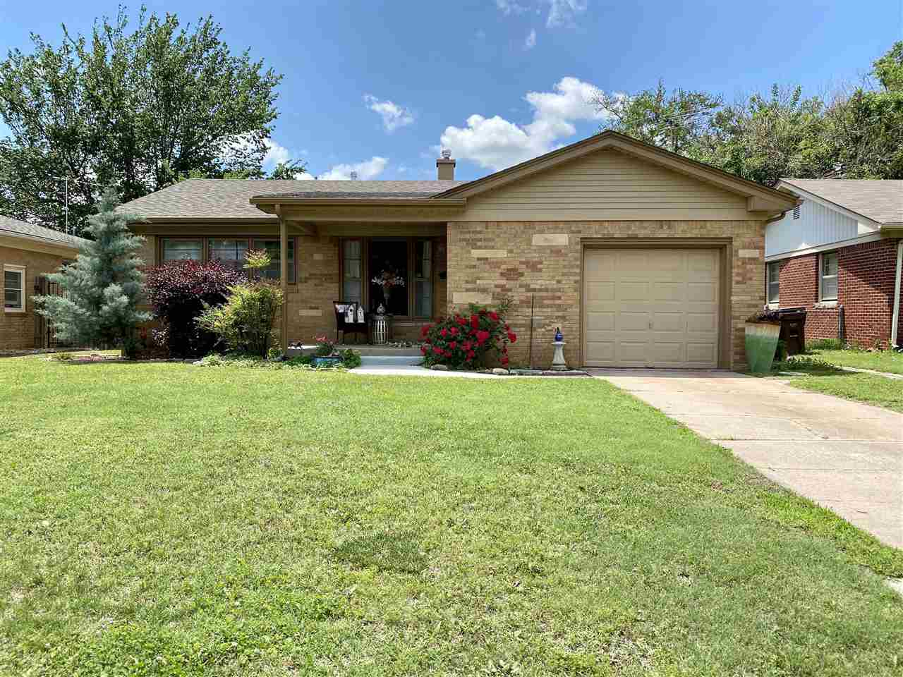 You found a hidden GEM in Wichita! Don't miss your chance to see this charming 3bed, 1 bath 1950s al
