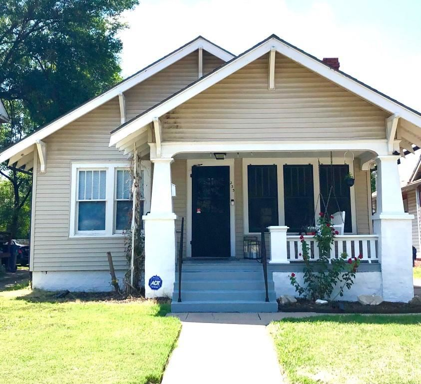 This is the Adorable Bungalow You Have Been Waiting For!! Today's Trending Colors of Gray & White wi