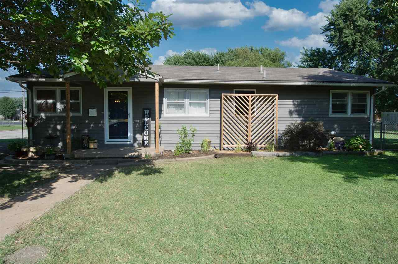 Cute 3 Bedroom 2 Bath home in Valley Center.  The kids can walk to school from this great location w