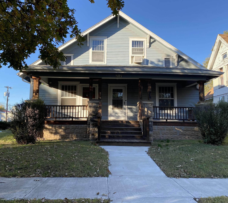 212 W 10th Ave, Winfield, KS, 67156