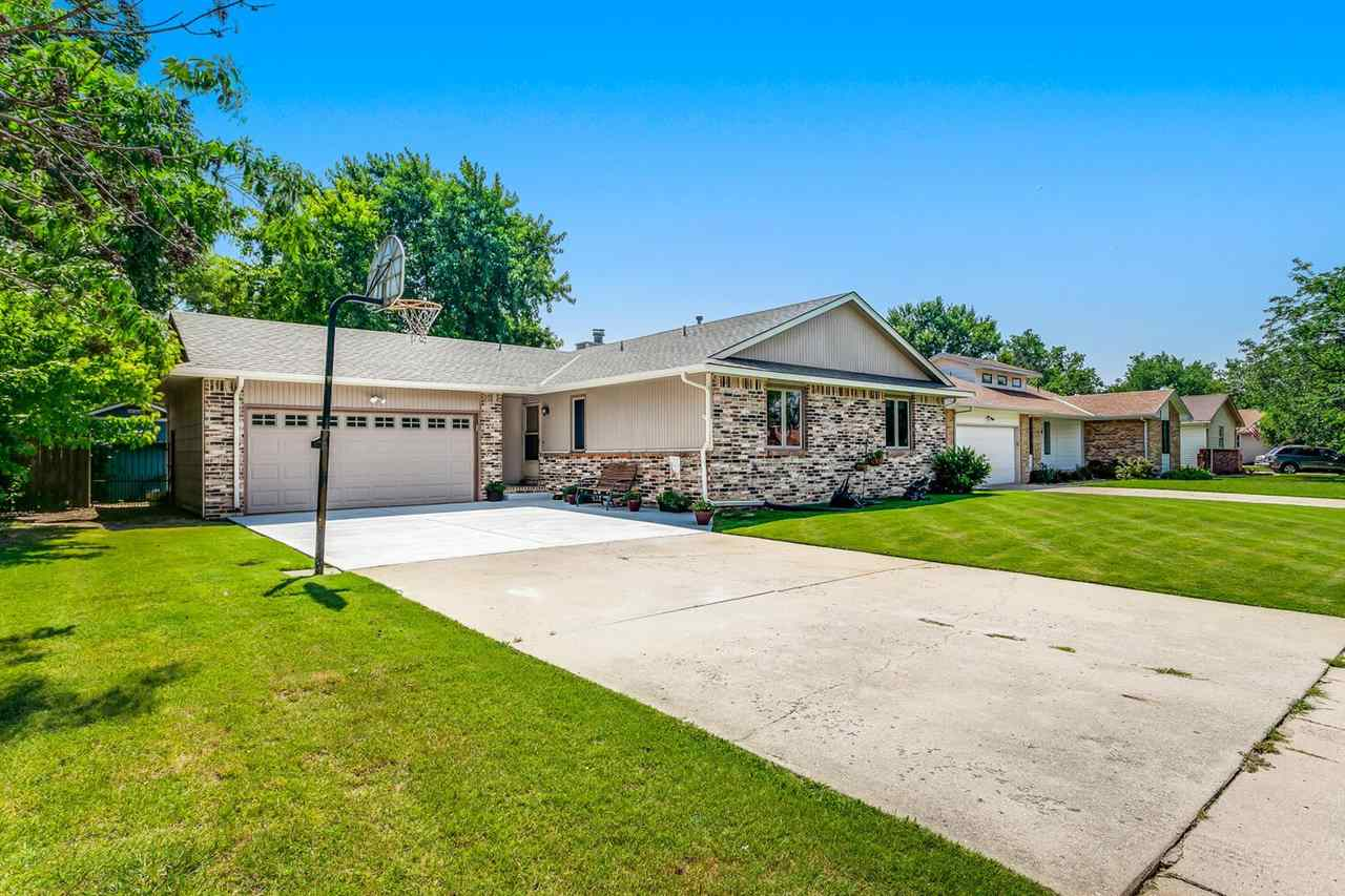 Welcome to your new home in Bel Aire! This home has been recently updated and will be the perfect ho
