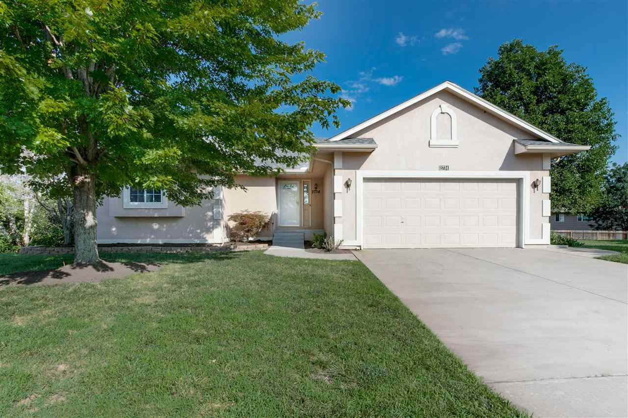 You DO NOT want to miss out on this beautiful home located at the end of a cul-de-sac in a nice quie